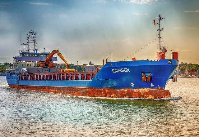 Czynniki, które wpływają na cenę transportu morskiego